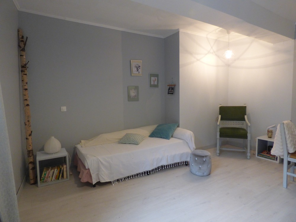 julie lit simple chambres d hotes location gorges du tarn ste enimie cevennes